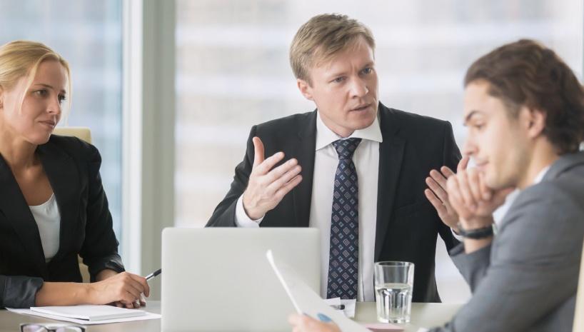 situaciones de conflcito y reacciones en las empresas